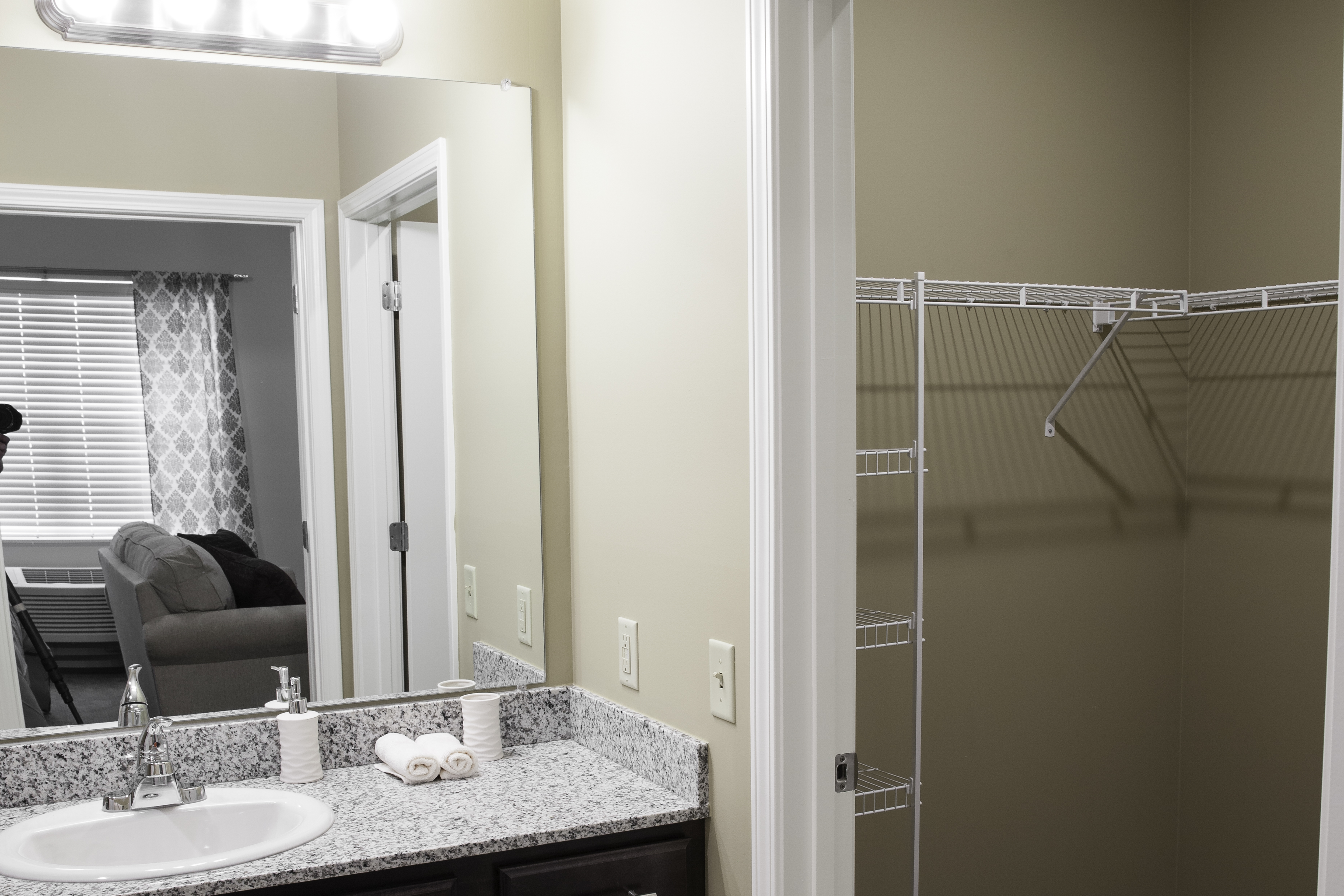 Aspen of Brookhaven Room Features: single and double occupancy suites